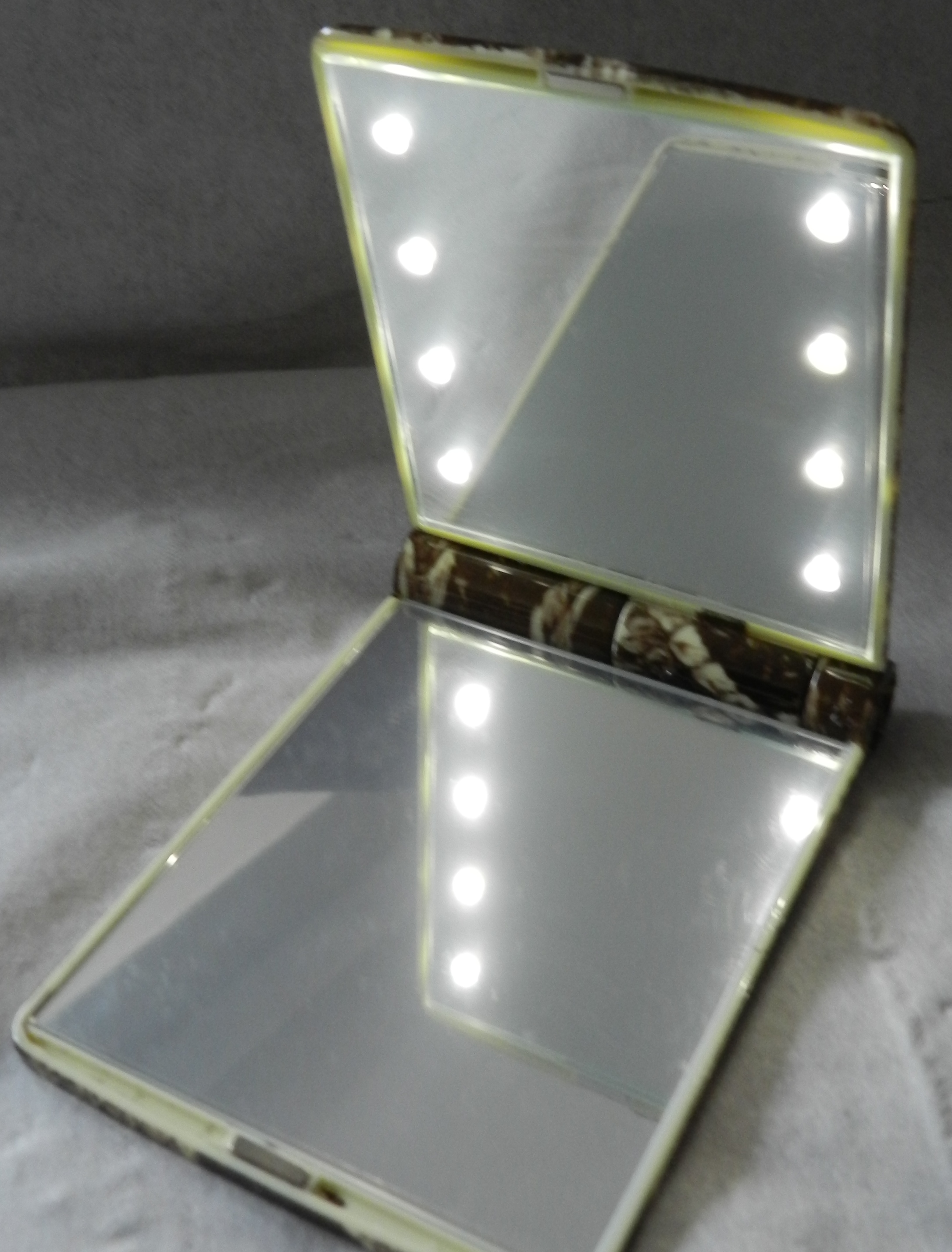 Model Mirror Madame Gourmand Lifestylemadame Gourmand Lifestyle